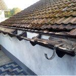Sanierungswürdige Dachrinne
